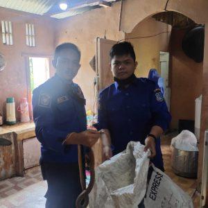 Evakuasi Ular Kobra di Jl. Parit Lapis Kel. Patunas