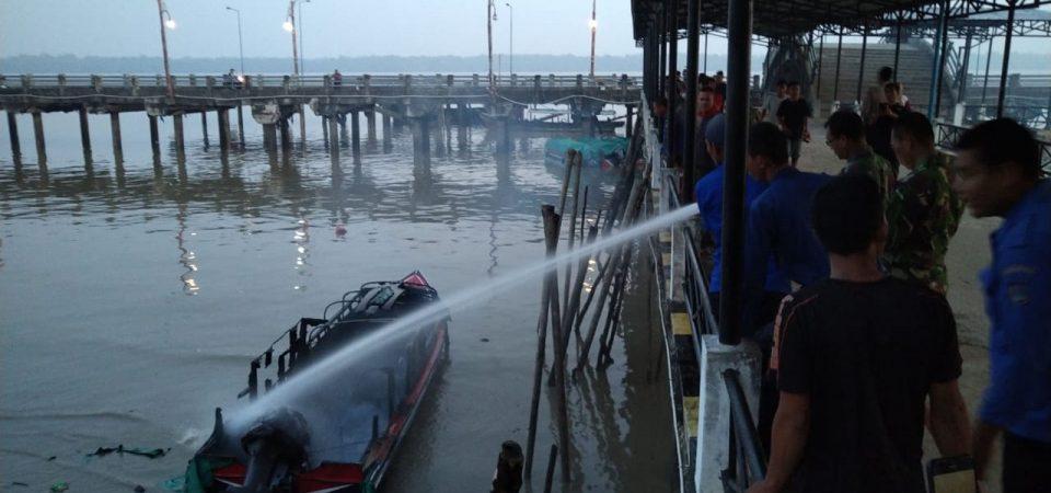 Speedboat Terbakar
